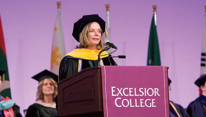 Alumna Karen Cox